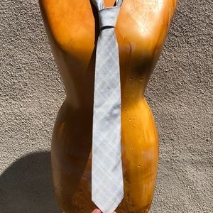 Hugo Boss silver plaid tie.